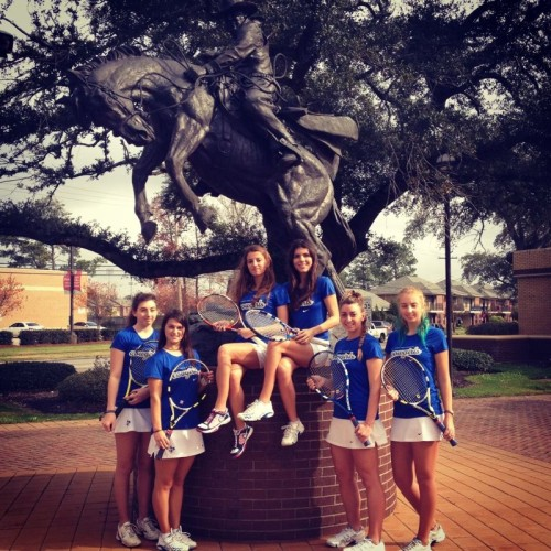 Diana, alături de colegele sale din echipa de tenis din SUA