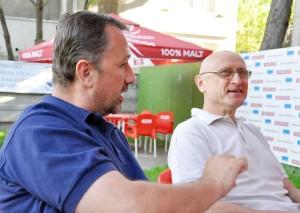 Eugen Pop (dreapta) își amintește cu plăcere de vremurile în care Voința făcea legea