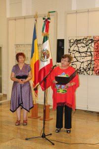 Doamna Maria Cristina de la Garza Sandoval, ambasadorul Mexicului în Romania şi doamna dr. Elena Tarziman, director general al Bibliotecii Naţionale