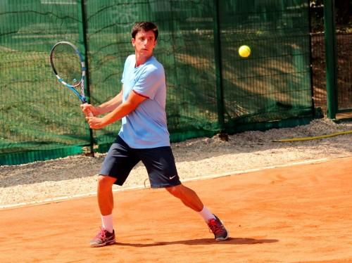 Alex Jecan (antrenor la Winners Tennis Club), cu un joc din ce în ce mai bun