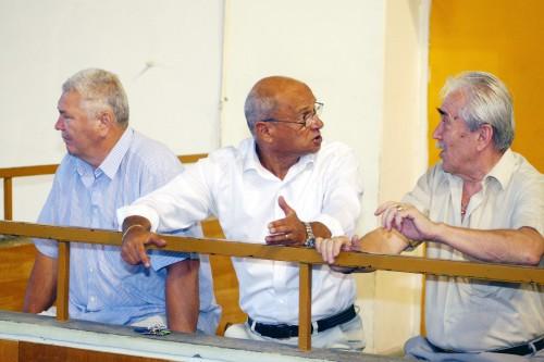 Gheorghe Zamfir, Nicolae Ienac și Sandor Ban, în colțul lor obișnuit din sala sporturilor