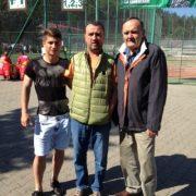 Șerban Doboși, dreapta, a ținut să se fotografieze cu un viitor mare campion, Andreas Calcan (stînga)