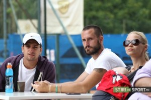 Ilie, alături de soția sa, Lidia, și jucătorul româno-elvețian Constantin Sturdza.  Foto. Daniel Rus