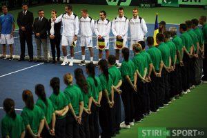 Vlad Zdrențu, într-una dintre cele mai elegante competiții ale lumii tenisului, Cupa Davis (al doilea din stînga imaginii). Foto: Călin Ilea