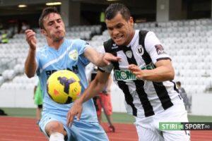 Boutadjine a pasat foarte bine la primul gol, pentru Viveiros.  Foto: stiridesport.ro