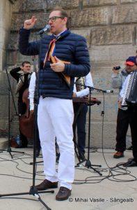 Nicolae Voiculeț concertează la Crucea Caraimanului_trim