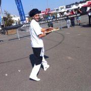 Lucian Stoian, port-drapelul celor de la Pizza Acrobatica