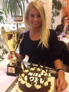 Gabriela Buciurca, cu trofeul de miss, adică aur la individual.