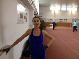 Cristina Bogdan, avînd puterea să zîmbească, după două ore de antrenament asiduu