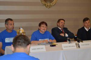 De la stînga la dreapta: Sorin Mocanu, antrenor, Angela Mesaroș, președintele Asociației Diabeticilor din România, dr. Ioan Andrei Vereșiu, Ioan Ovidiu Sabău.