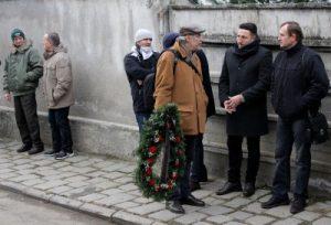 Printre cei care l-au însoțit, de la stînga la dreapta: Boca (primul), Pojar (al treilea), Predescu (suporter U), Marius Popescu, Dobrotă Foto: prin amabilitatea lui Dan Bodea