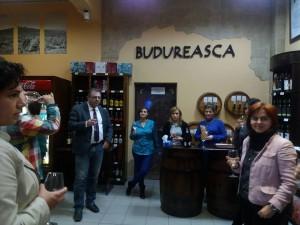 Sergio, un cunoscător al vinurilor pe care le comercializează