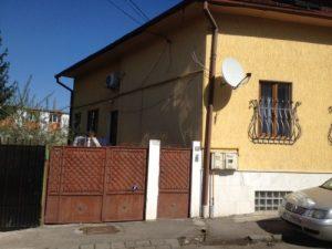 O casă de pe Ciprian Porumbescu.