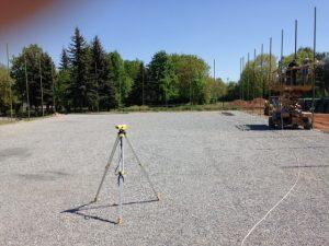 Stadiul lucrărilor la teren este avansat. Urmează să se monteze suprafața de joc.