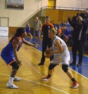Irimia, in actiune, la meciul cu Tîrgoviște. Foto. Todea Valentin