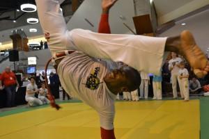 Contra Maestre Banto Santo (capoeira) Foto: Costin Barbu