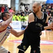 Vlad Moldoveanu nu mai dă mingea nimănui.  Foto: Silviu Cristea
