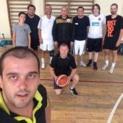 David, Chertes, Blag, Liviu, Miclăuș, Tebu, Radu, Muri, plus Rus, care face poza.